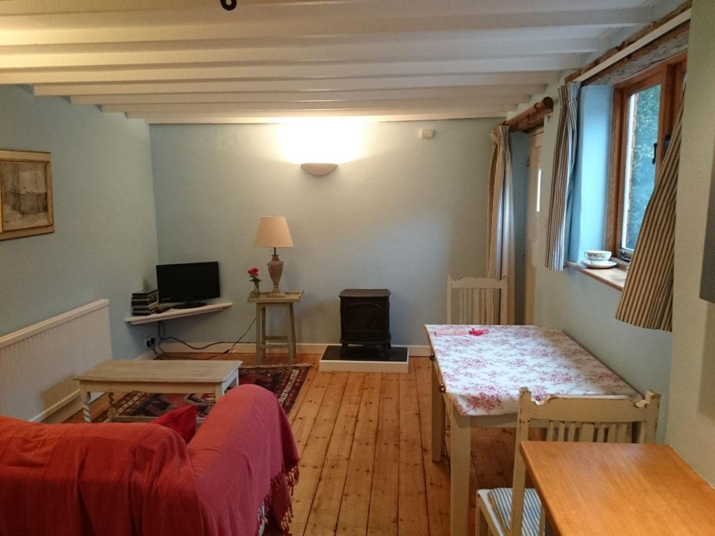 norfolkcottage-diningroom
