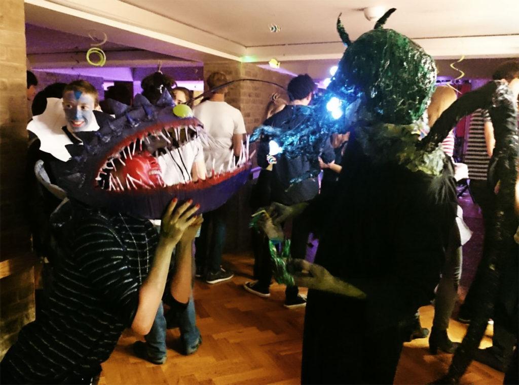 college-bop-costume