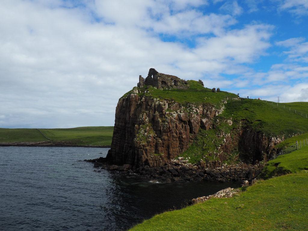 Road trip Scotland Isle of Skye Duntulum Castle