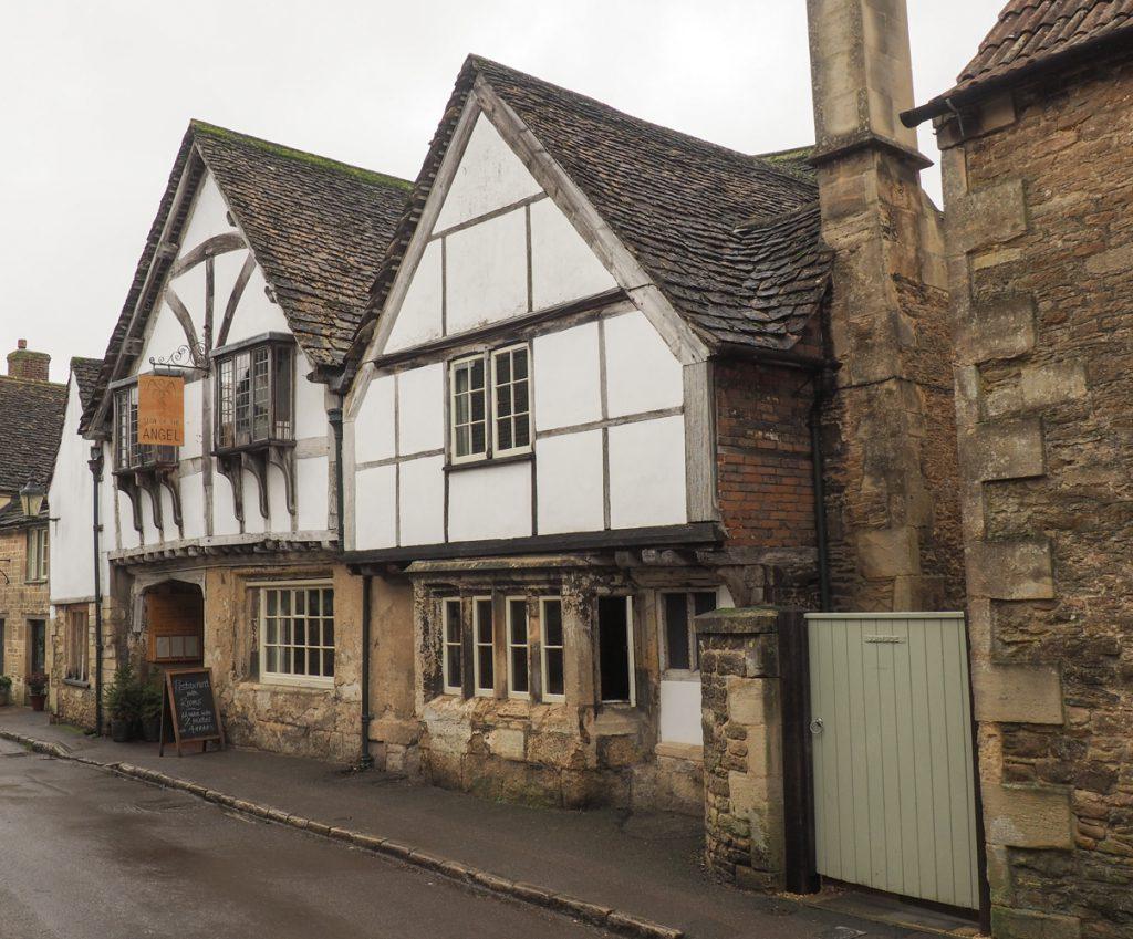 Lacock pub
